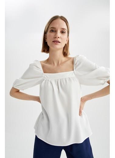 DeFacto Kare Yaka Büzgü Detaylı Balon Kollu Bluz Beyaz